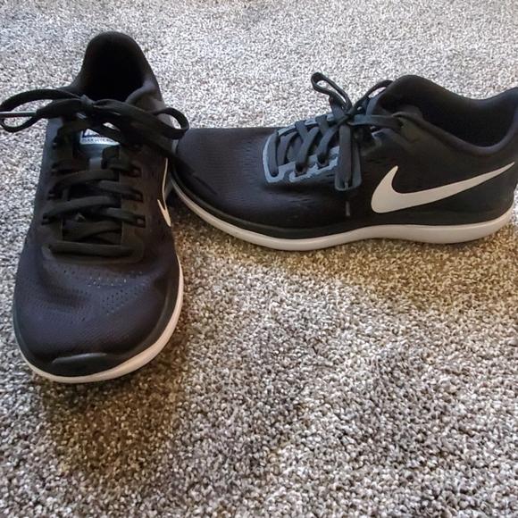 Nike Shoes   Nike Fitsole Womens